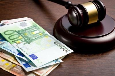 derecho bancario dinero y mazo juez